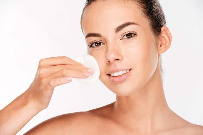 Codzienna pielęgnacja twarzy – nie zapomnij o toniku!